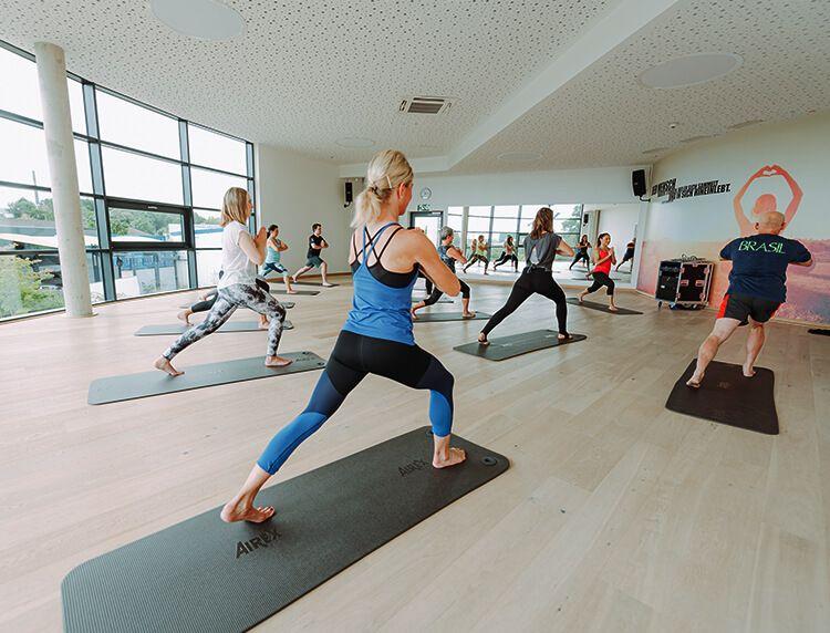 Yoga Erlangen Perfekt Fur Einsteiger Profis Fitnessstudio Erlangen Schwabach