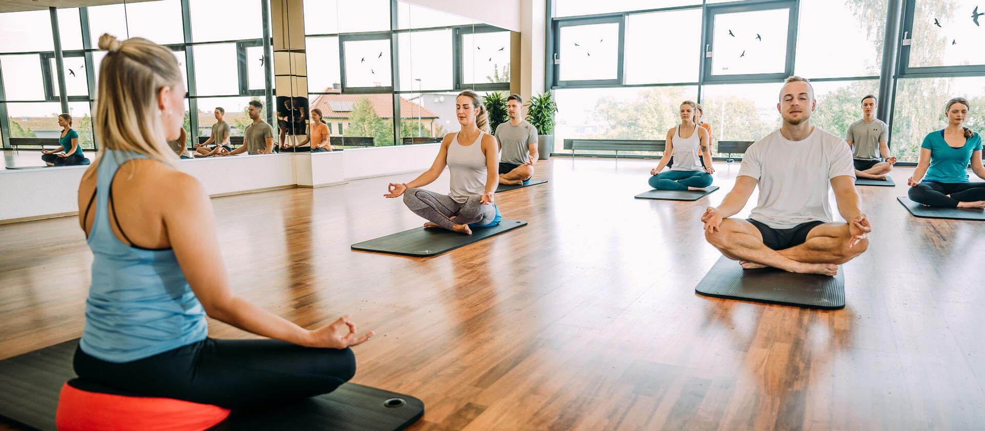 Yoga Schwabach Perfekt Fur Einsteiger Profis Fitnessstudio Erlangen Schwabach